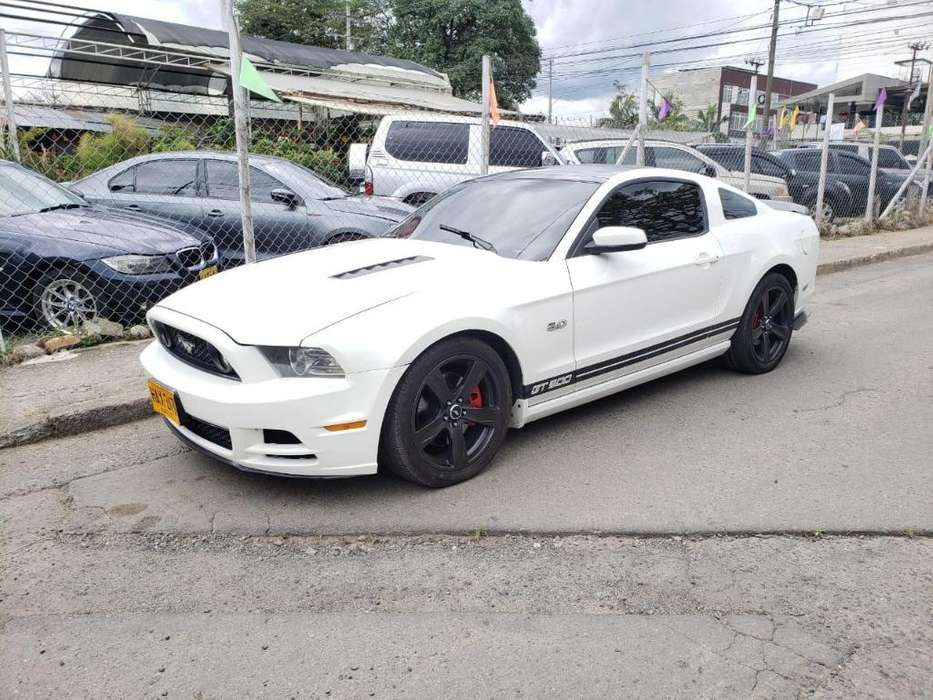 Ford Mustang 2013 - 98000 km