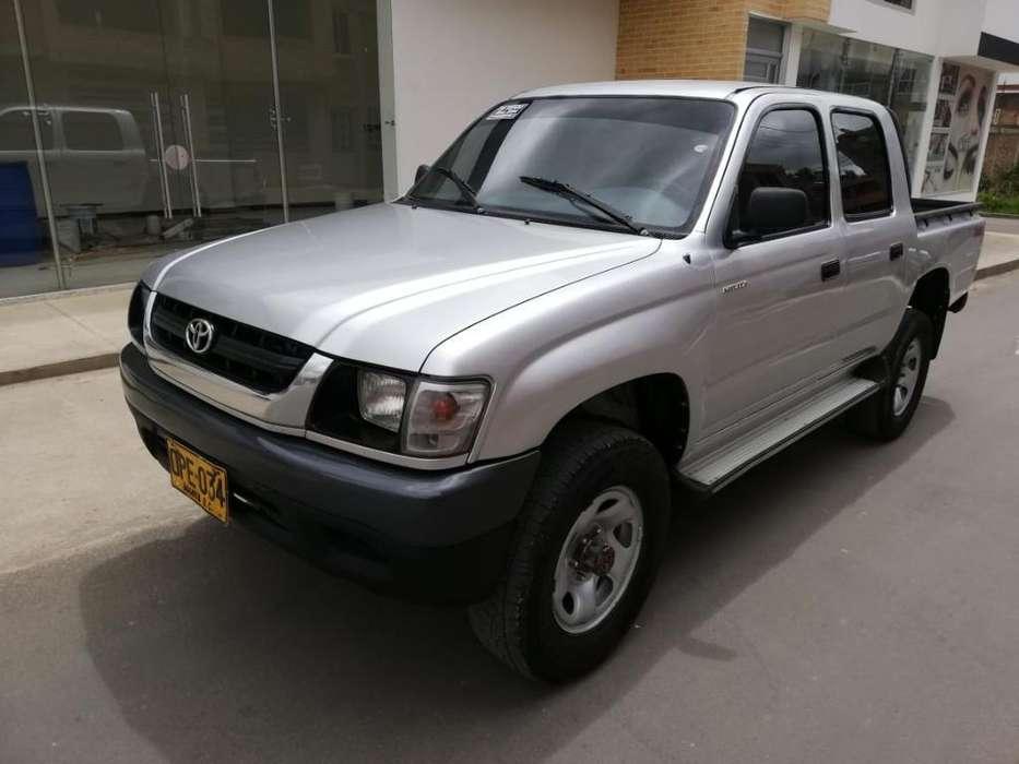 Toyota Hilux 2004 - 157813 km