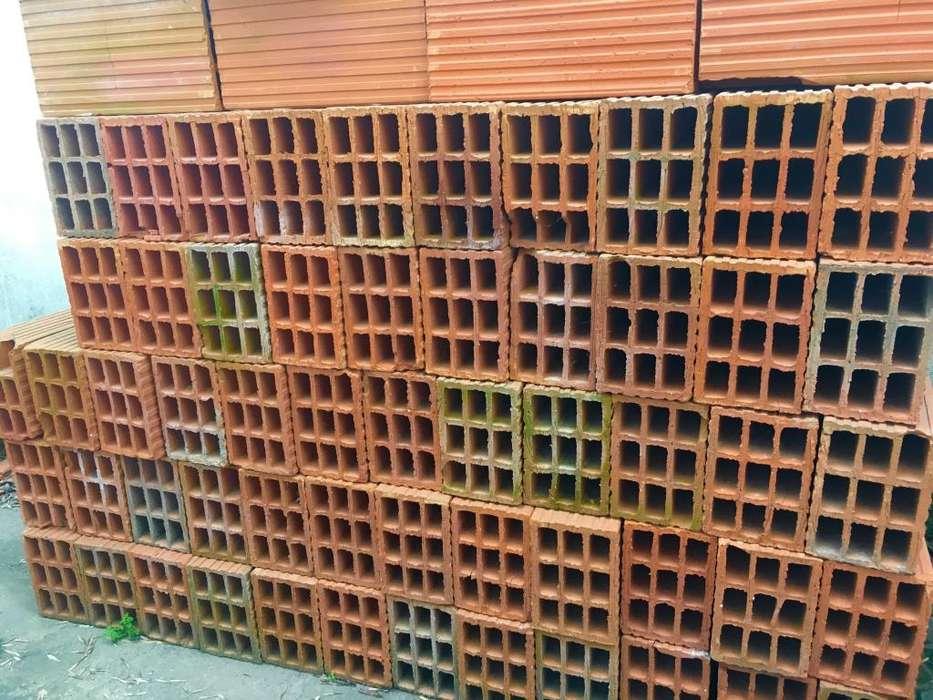 Vendo 130 ladrillos huecos del 12