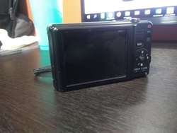 VENDO CAMARA FOTOGRAFICA LUMIX PANASONIC DE 12 MP
