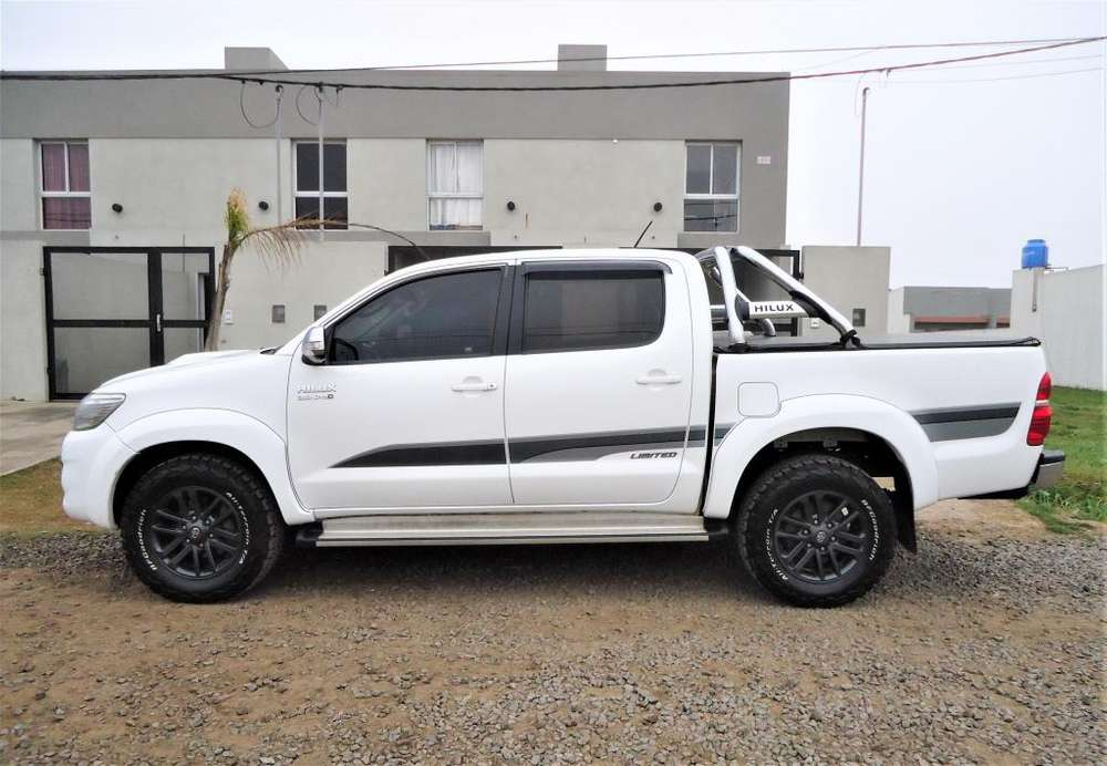 Toyota Hilux 2015 - 167153 km