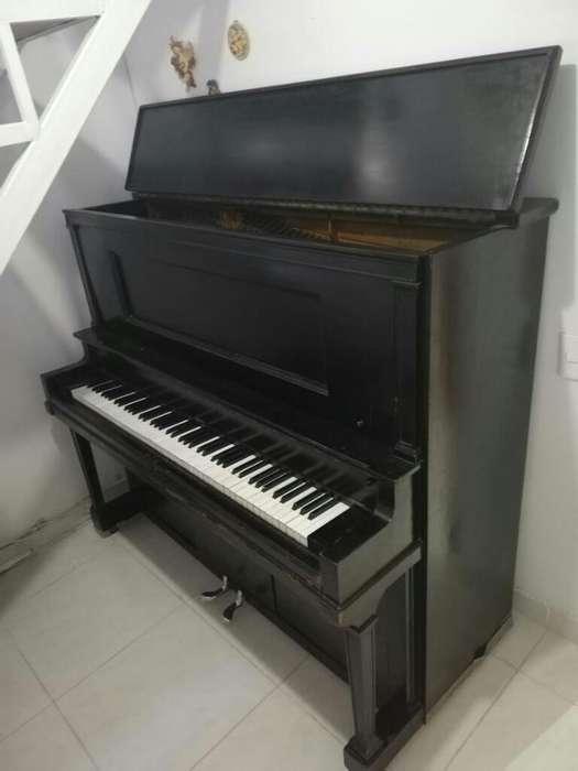 Se Vende Hermoso Piano Clásico Americano