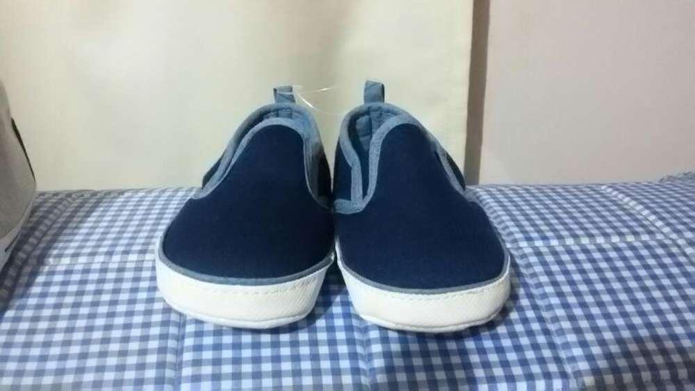 Zapatos de Bebe Cartes 9-12 Meses Nuevos