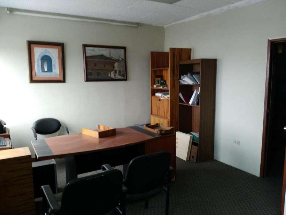 Centro, <strong>oficina</strong> con vista panorámica en piso siete