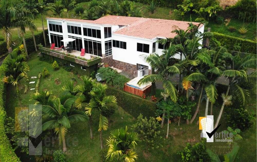 Se vende Exclusiva Casa Campestre en Cerritos, Pereira, Risaralda. 350 metros construidos 1220 de lote
