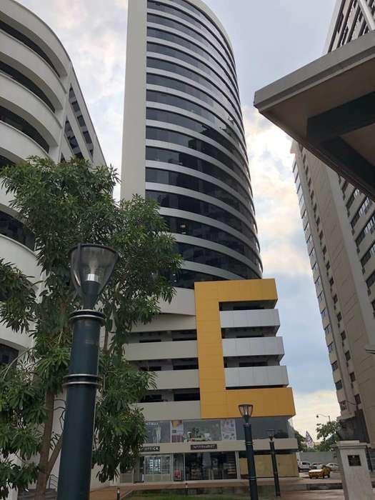Vendo <strong>oficina</strong> con Parqueo Edificio Emporium