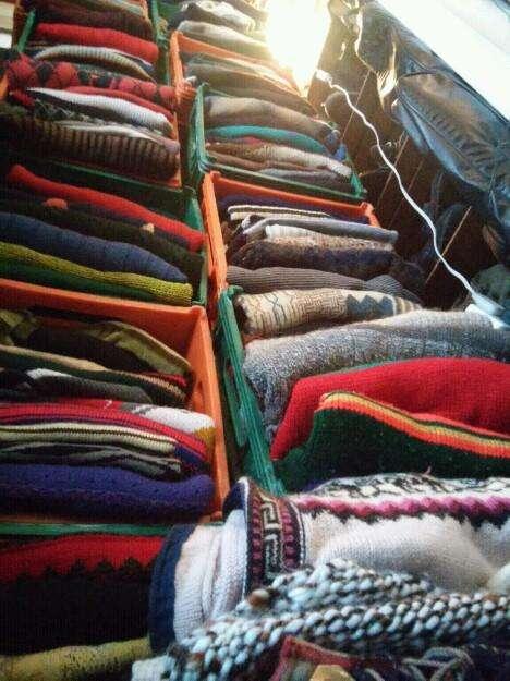 Liquido ropa de invierno. Camperas, swetters buzos. y bufandas