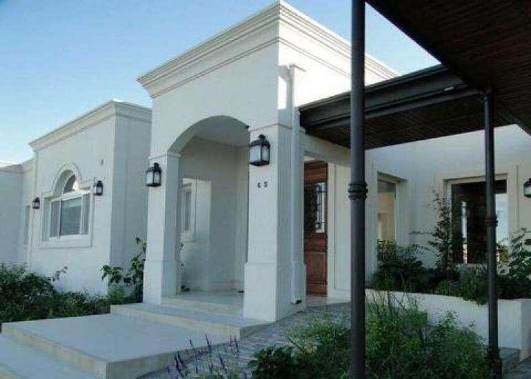 Espectacular casa en alquiler Temporario en Estancias del Pilar!