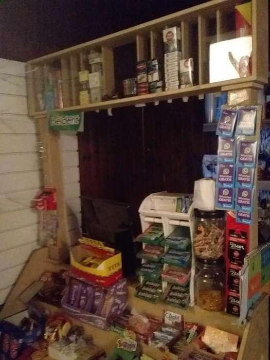 Tribuna para Kiosko con Cigarrera Vidrio