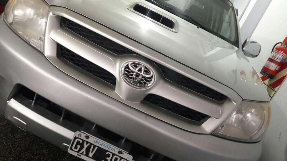 Toyota Hilux 2008 - 317000 km