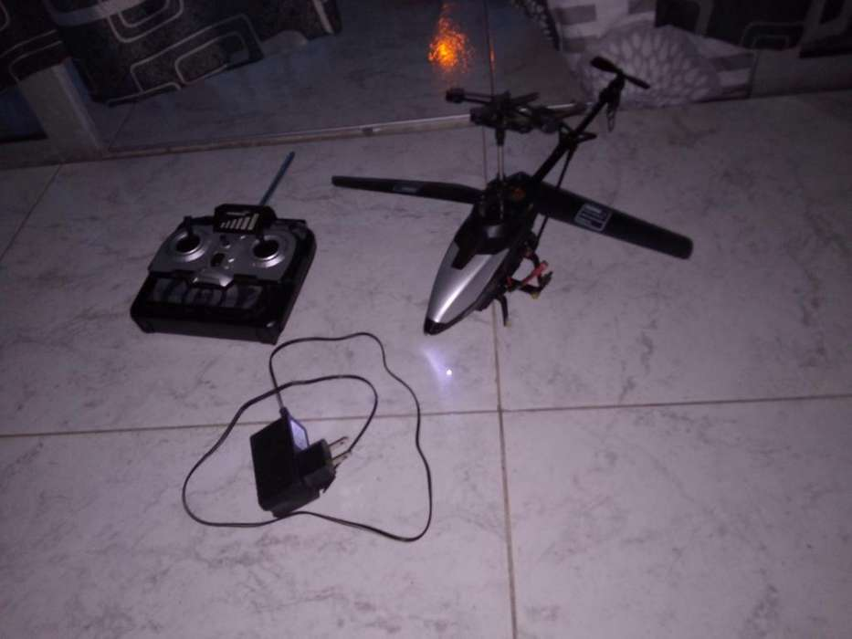Helicóptero con Camara Delantero