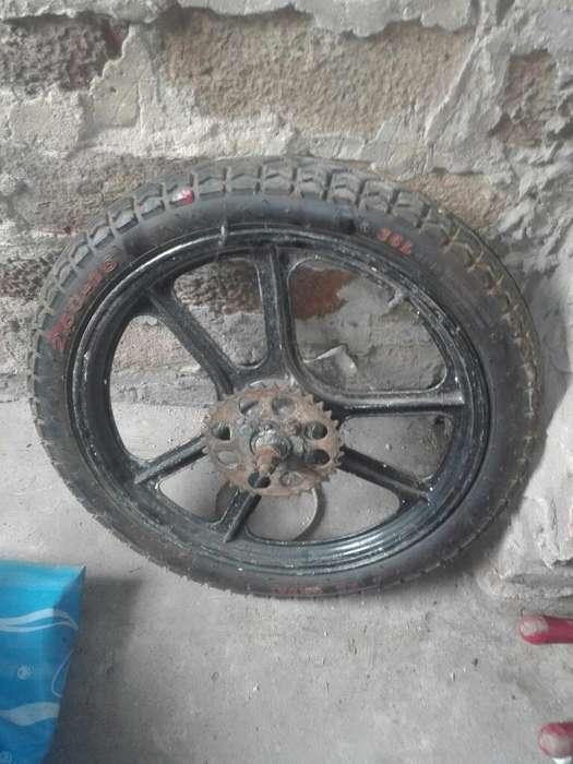 Dos Ruedas de Ciclomotor