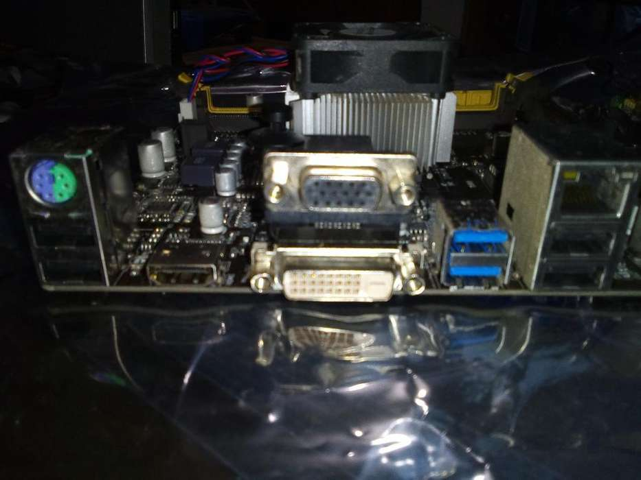 Vendo Mother Micro 4 Nucleos. 4gb