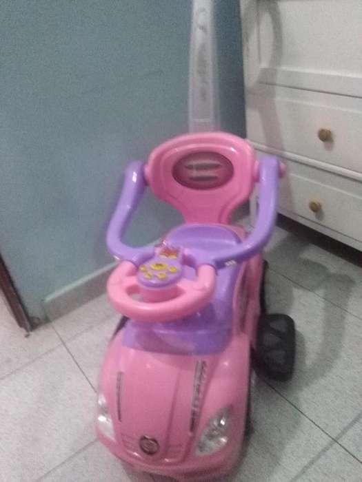 Carro rosado de nena