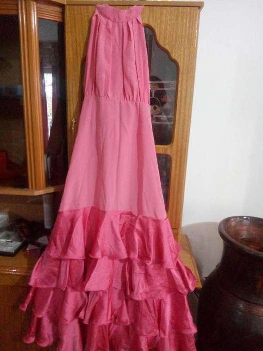 Vestido flamenco o fiesta hermoso color coral