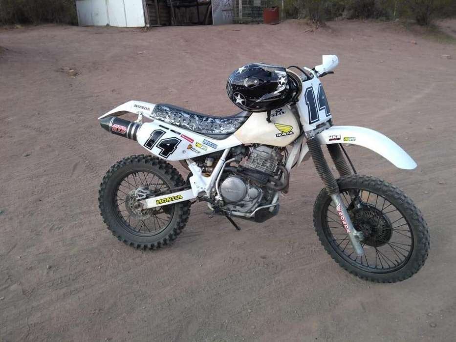 VENDO MOTO ENDURO IMPECABLE