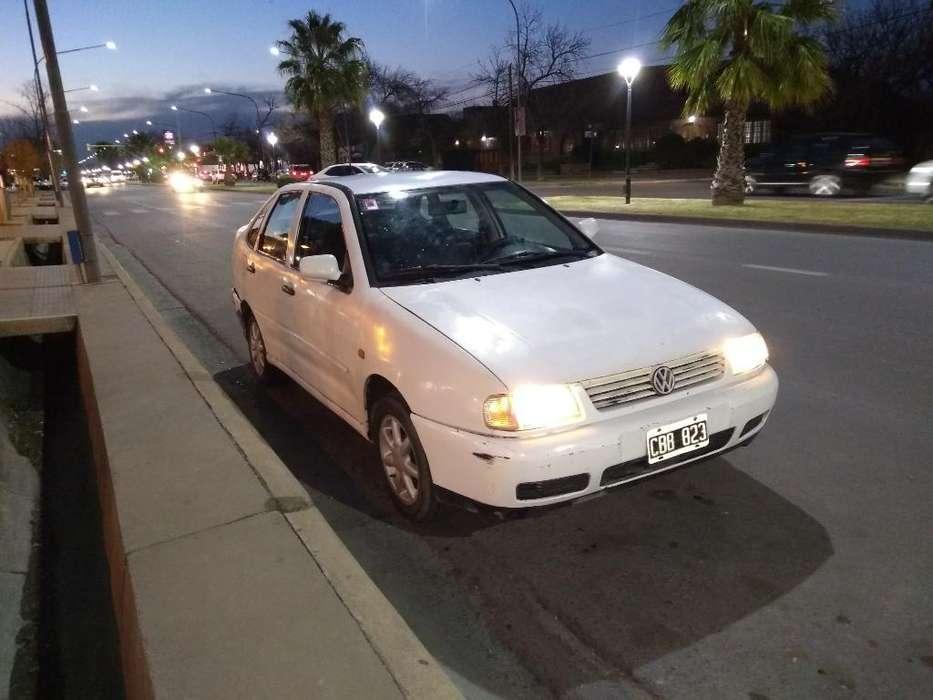 Volkswagen Polo 1998 - 180000 km