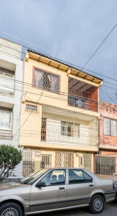 Casa En Arriendo En Cali Villa Colombia Cod. ABCMC7894