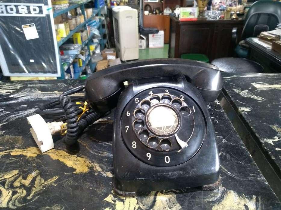 Teléfono Antiguo de Baquelita Americano