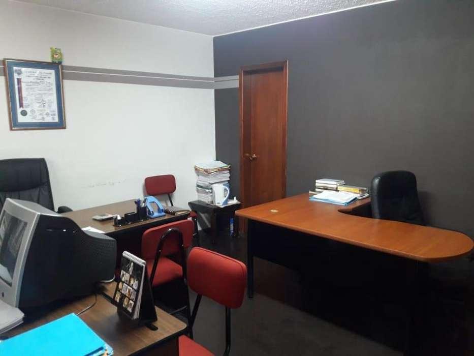 Venta de Oficina Comercial Santa Prisca 890451045, centro de quito