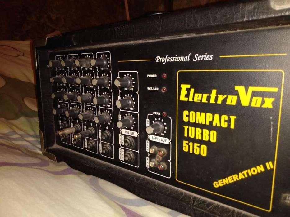 Vendo Consola Potenciada Electrovox 150w
