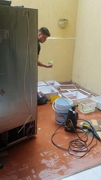 Técnico Profesional en Lavadoras Neveras