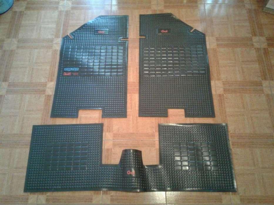 Cubre alfombra Gol 91/94 vapren gris con leyenda GOL en rojo