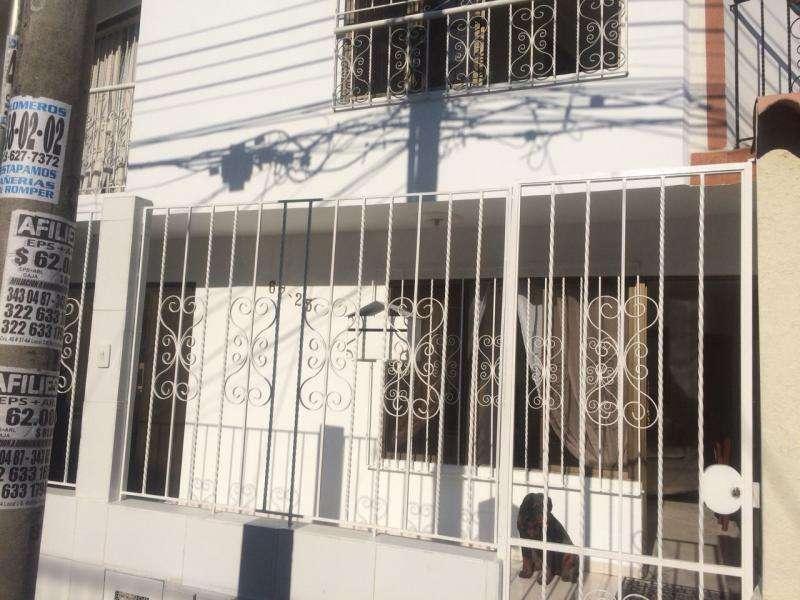 Cod. VBSUM460800 Casa En Venta En Cali Ciudad 2000