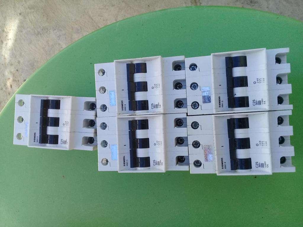 INTERRUPTOR TERMOMAGNETICO 3 X 25 AMP