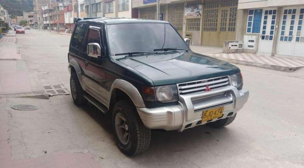 Mitsubishi Montero 1998 - 217000 km