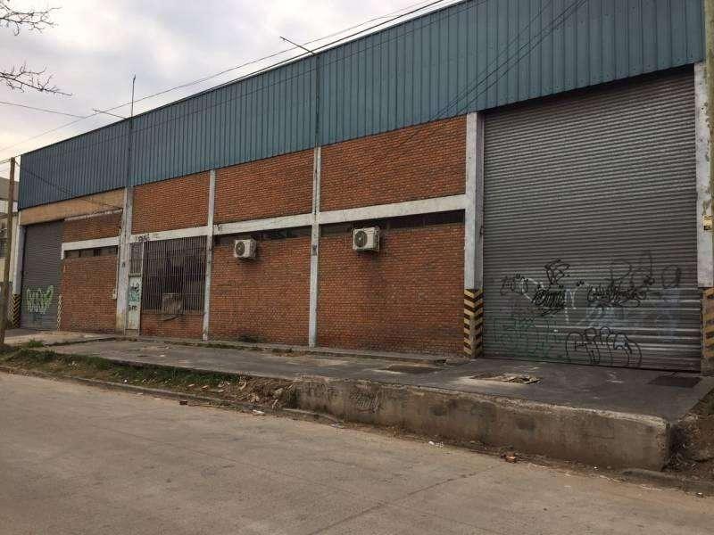 Alquiler de importante Galpon - Deposito en Quilmes