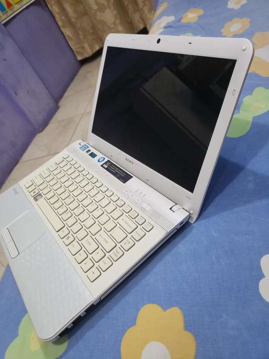 Laptop <strong>sony</strong> Vaio Core I5 Y 4 Ram Y 1000