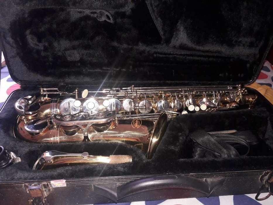 Vendo Saxofón Alto