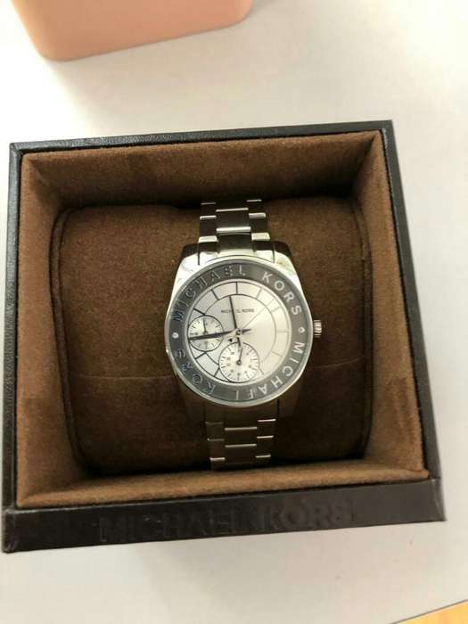 Hermoso Reloj de Mujer Michael Kors Nuev