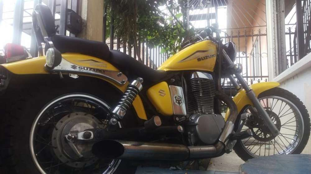 Moto Suzuki 650 , <strong>kawasaki</strong> Vulcan 750