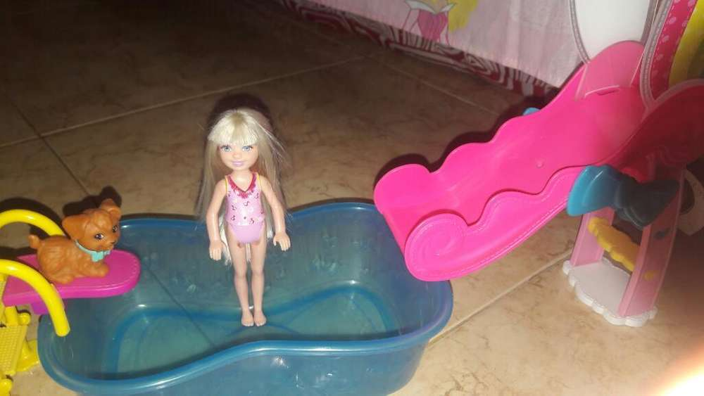 Piscina de Barbie Cheelse