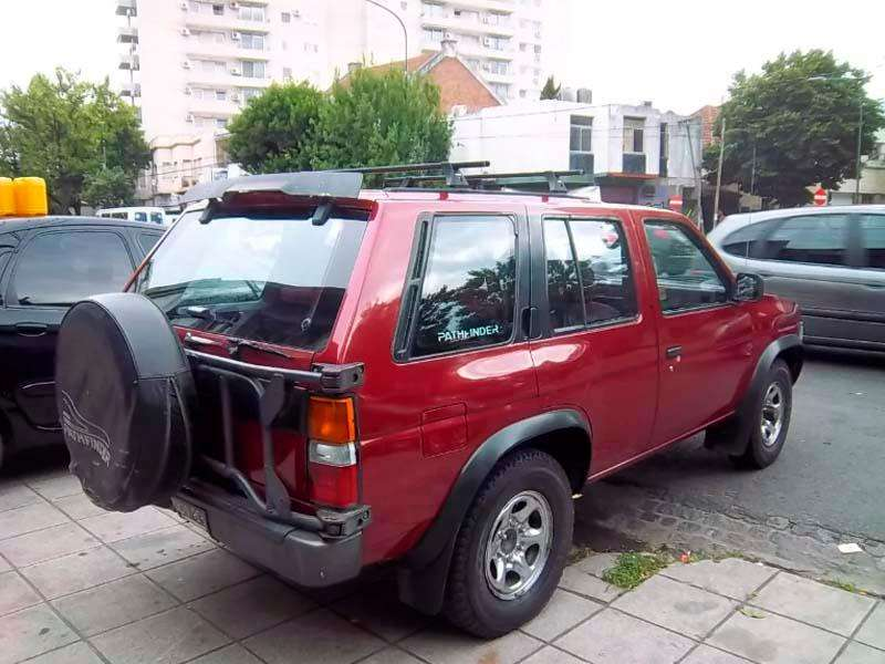<strong>nissan</strong> Pathfinder 1993 - 240000 km