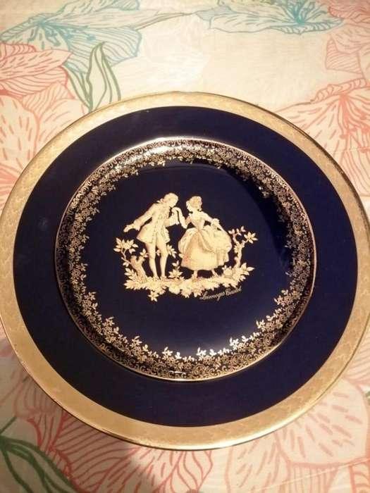 Hermosos y Decorativos <strong>platos</strong> en Porcelana Originales, con sus bases, de Admirar