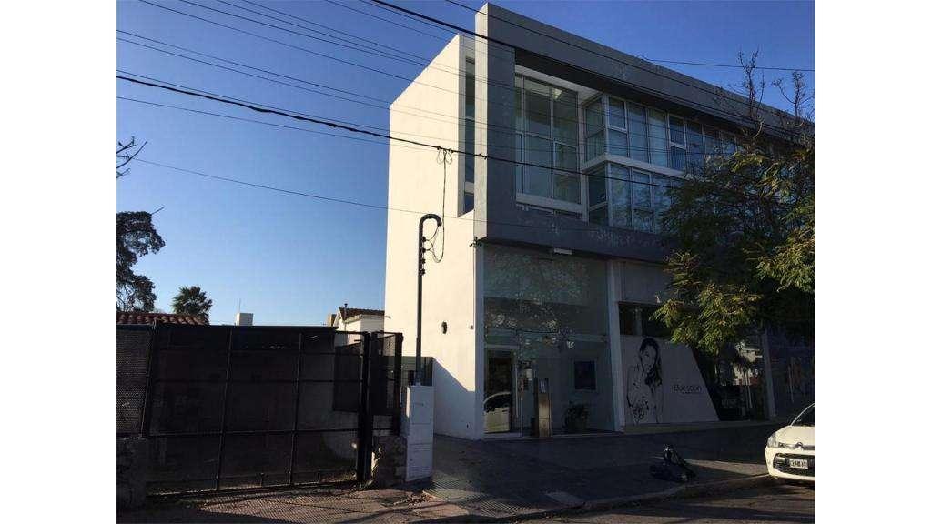 Esteban Bustos Al 1900  100 - UD 320.000 - Casa en Venta