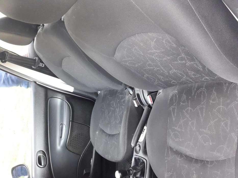 Peugeot 206 2011 - 75000 km