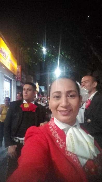 Eliana La Reina Cel 3103440911