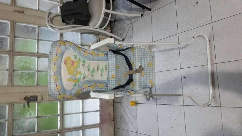 silla de para comer de bebé, muy buen estado, la Plata!