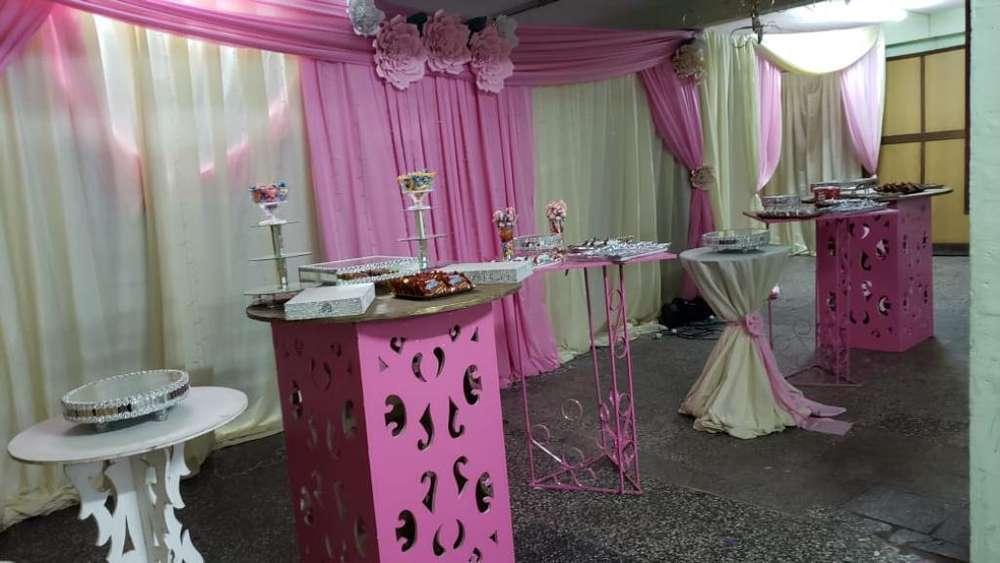 2 Amplios Salones de Fiestas