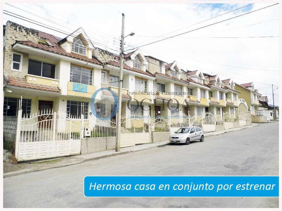 Vendo casa con Piscina al Norte de la Ciudad de Loja