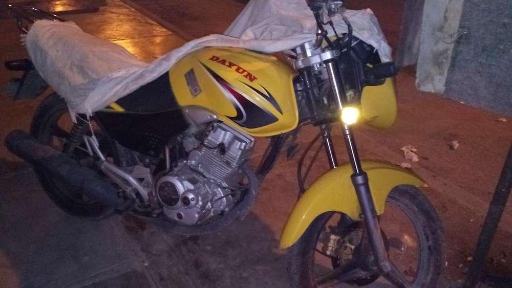 Vendo Moto Dayun 150
