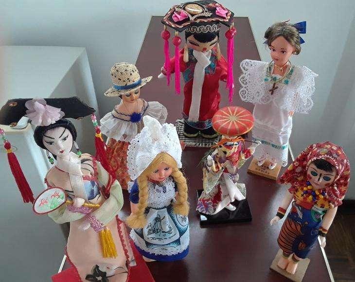 Colección muñecas originales diferentes países