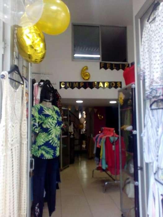 ¡Ganga de fin de año! Vendo tienda de moda femenina.