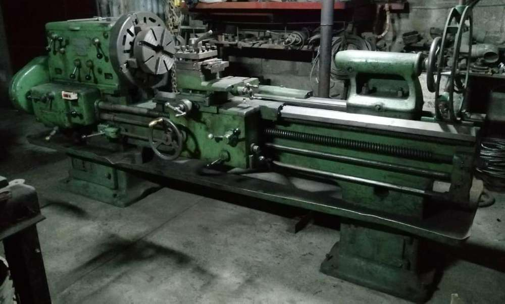 Torno Industrial