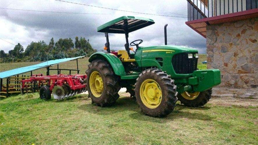 TRACTOR AGRICOLA DE RUEDAS 5090E MFWD 18.4X30 R2 – MARCA JOHN DEERE – 89 HP – CREEPER