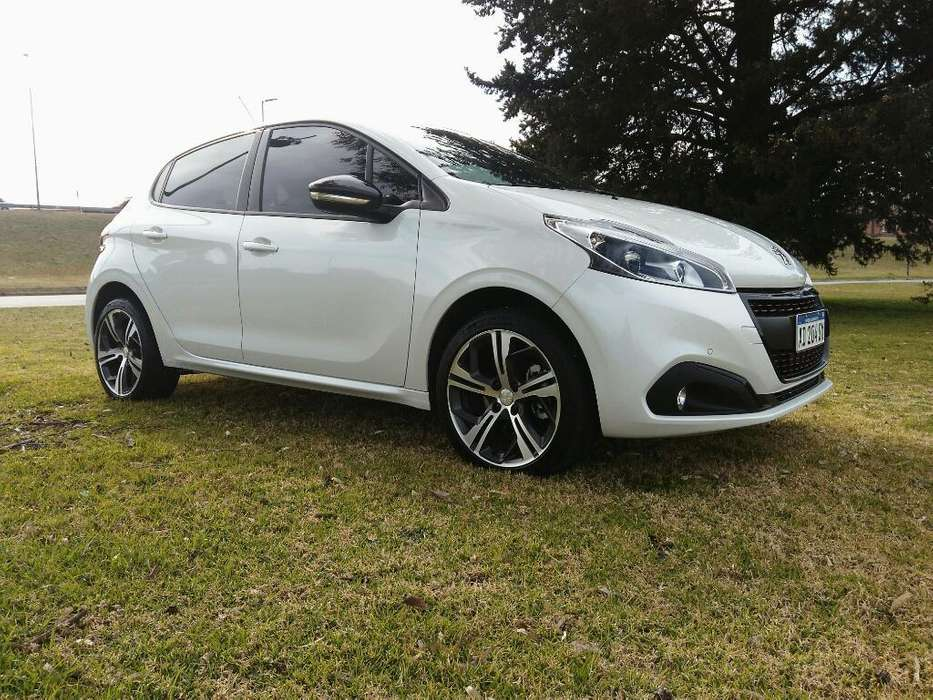 <strong>peugeot</strong> 208 GT 2018 - 6100 km